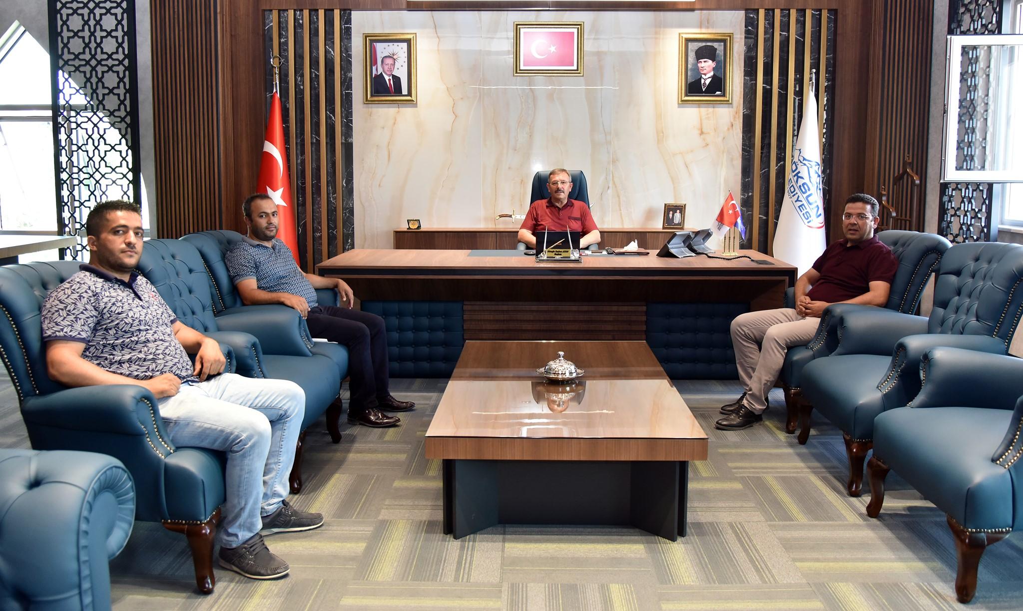 Yeni Binada Başkan Aydın'a ziyaretler sürüyor!